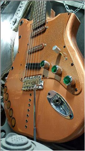 Gold Guitar 1